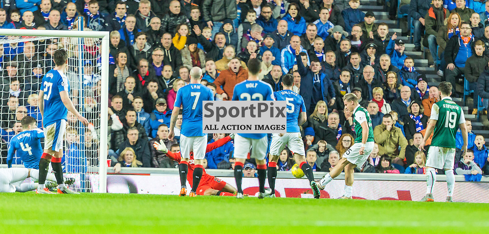 Jason Cummings scores during the match between Rangers and Hibernian (c) ROSS EAGLESHAM | Sportpix.co.uk