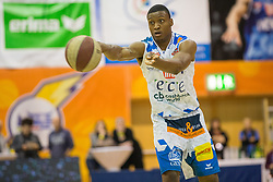 03.12.2017, Walfersamhalle, Kapfenberg, AUT, ABL, ece Bulls Kapfenberg vs UBSC Raifeisen Graz, 10. Runde, im Bild Kareem Jamar (Kapfenberg) // during the ABL, 10 th round, between ece Bulls Kapfenberg and UBSC Raifeisen Graz at the Sportscenter Walfersam, Kapfenberg, Austria on 2017/12/03, EXPA Pictures © 2017, PhotoCredit: EXPA/ Dominik Angerer