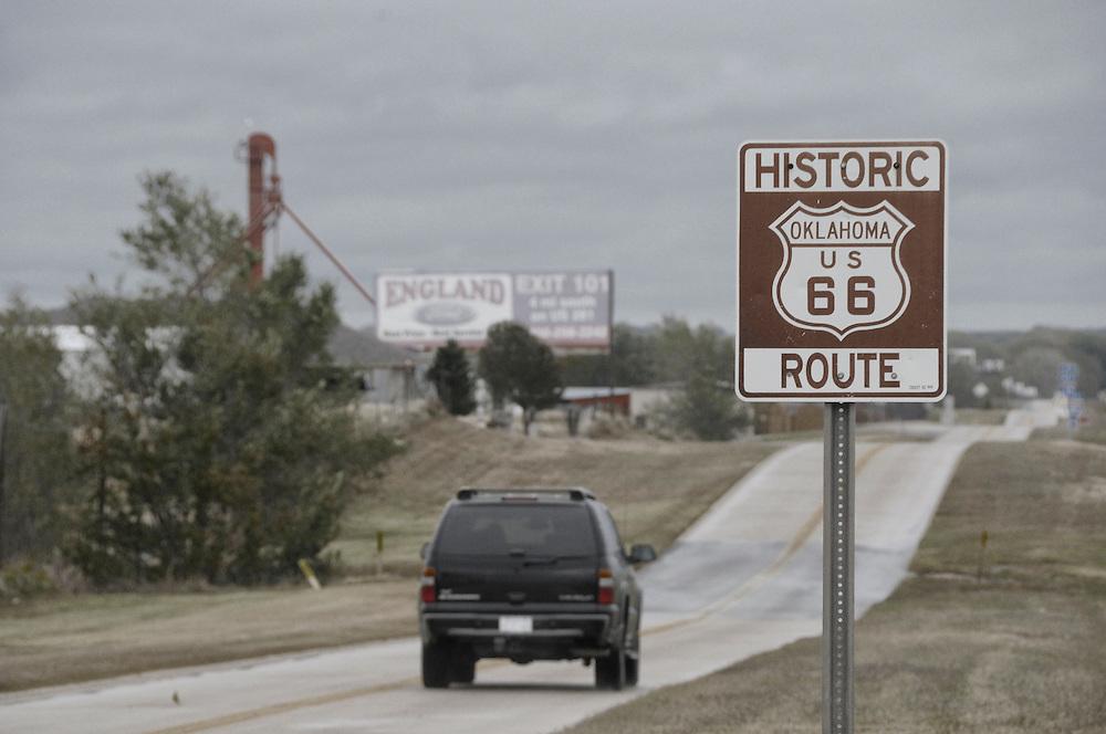 Old Route 66 sign, Route 66 nostalgia, near Hydro, Oklahoma, USA
