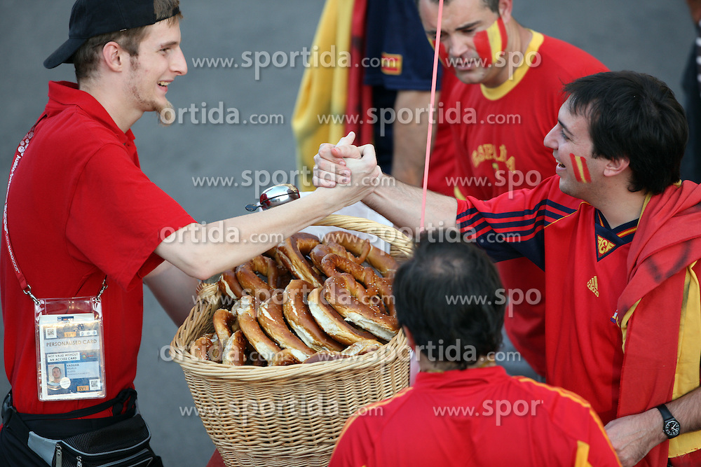 Spanish fans buying food at stadium before the UEFA EURO 2008 Quarter-Final soccer match between Spain and Italy at Ernst-Happel Stadium, on June 22,2008, in Wien, Austria.  (Photo by Vid Ponikvar / Sportal Images)
