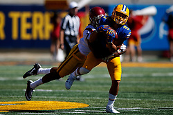 BERKELEY, CA - SEPTEMBER 23:  Wide receiver Kanawai Noa #9 of the California Golden Bears catches a pass in front of safety Marvell Tell III #7 of the USC Trojans during the third quarter at California Memorial Stadium on September 23, 2017 in Berkeley, California. The USC Trojans defeated the California Golden Bears 30-20. (Photo by Jason O. Watson/Getty Images) *** Local Caption *** Kanawai Noa; Marvell Tell III