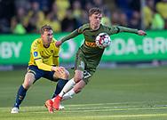 FODBOLD: Mikkel Damsgaard (FC Nordsjælland) følges af Simon Tibbling (Brøndby IF) under kampen i Superligaen mellem Brøndby IF og FC Nordsjælland den 13. maj 2019 på Brøndby Stadion. Foto: Claus Birch.