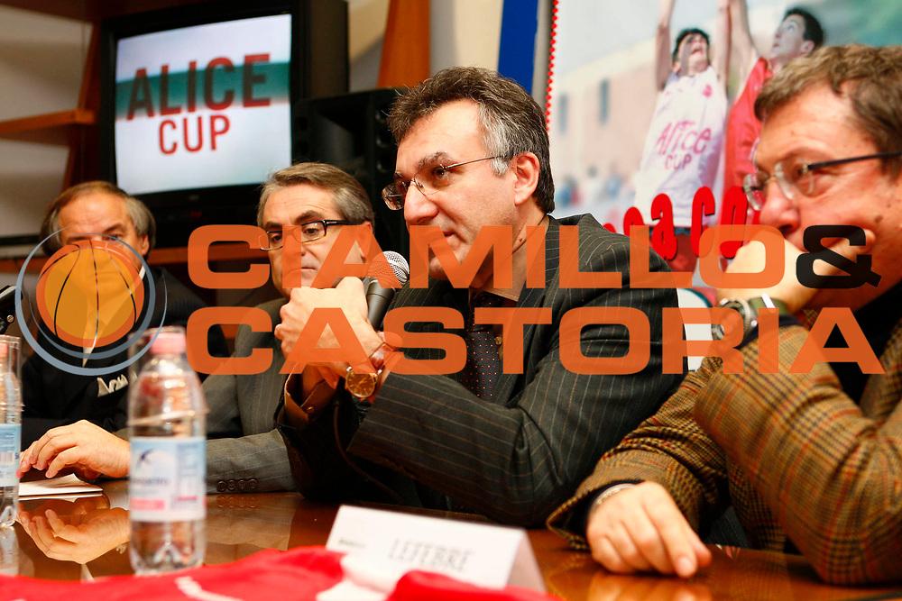 DESCRIZIONE : Treviso Presentazione Join the Game 2008<br /> GIOCATORE : Montorro<br /> SQUADRA : <br /> EVENTO : Join the Game <br /> GARA : <br /> DATA : 15/01/2008 <br /> CATEGORIA : <br /> SPORT : Pallacanestro <br /> AUTORE : Agenzia Ciamillo-Castoria/S.Silvestri <br /> Galleria : Lega Basket A1 2007-2008 <br /> Fotonotizia : Treviso Presentazione Join the Game 2008<br /> Predefinita :