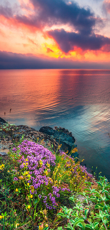Great sunrise by the sea shore at sunrise