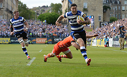 Bath Winger Matt Banahan runs in to score a try. - Photo mandatory by-line: Alex James/JMP - Mobile: 07966 386802 - 23/05/2015 - SPORT - Rugby - Bath - Recreation Ground - Bath v Leicester Tigers - Aviva Premiership Rugby semi-final