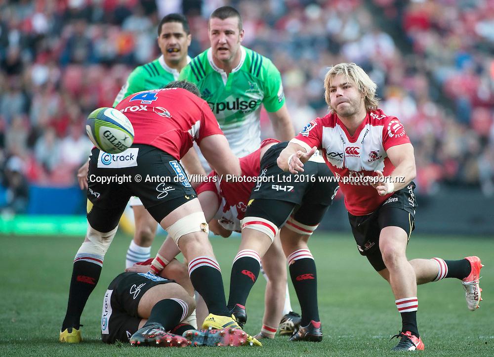 Lions v Highlanders. Faf de Klerk of the Emirates Lions puts his backline away during the 2016 Super Rugby semi-final match at Ellis Park, Johannesburg, 30 July 2016. <br /> <br /> &copy; Anton de Villiers / www.photosport.nz