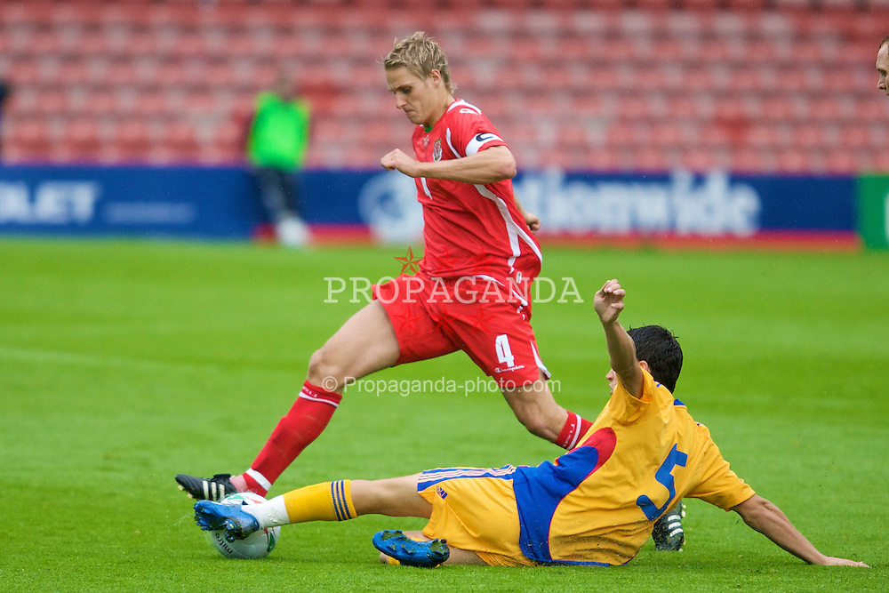WREXHAM, WALES - Wednesday, August 20, 2008: Wales' captain David Edwards in action against Romania during the UEFA Under 21 European Championship Qualifying Group 10 match at the Racecourse Ground. (Photo by David Tickle/Propaganda)