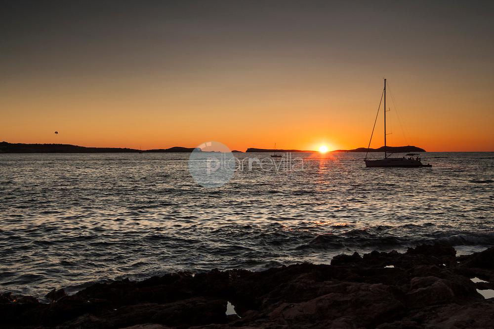Atardecer en Ibiza, Islas Baleares ©Country Sessions / PILAR REVILLA