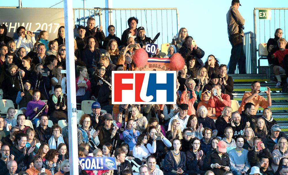 AUCKLAND - Sentinel Hockey World League final women<br /> Match id 10292<br /> 02 NED v NZL (Pool A)<br /> Foto:  fans<br /> WORLDSPORTPICS COPYRIGHT FRANK UIJLENBROEK
