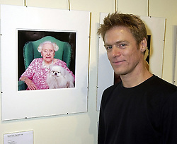 Rock star BRYAN ADAMS at a party in London on 25th September 2000.<br /> OHH 2
