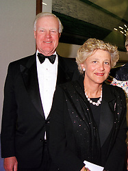 SIR JOCELYN STEVENS and MRS VIVIEN DUFFIELD, at a dinner in London on 3rd May 2000.ODH 151 2OLO<br /> © Desmond O'Neill Features:- 020 8971 9600<br />    10 Victoria Mews, London.  SW18 3PY  photos@donfeatures.com   www.donfeatures.com<br /> MINIMUM REPRODUCTION FEE AS AGREED.<br /> PHOTOGRAPH BY DOMINIC O'NEILL