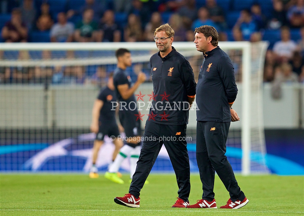 SINSHEIM, GERMANY - Tuesday, August 15, 2017: Liverpool's manager Jürgen Klopp and assistant manager Zeljko Buvac before the UEFA Champions League Play-Off 1st Leg match between TSG 1899 Hoffenheim and Liverpool at the Rhein-Neckar-Arena. (Pic by David Rawcliffe/Propaganda)