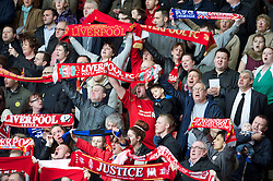 15.04.2013, Anfield Road, Liverpool, ENG, PL, Liverpool FC, 24. Jahrestag der Hillsborough Katastrophe, im Bild Liverpool supporters during the 24th Anniversary Hillsborough Service at Anfield, Liverpool, United Kingdom on 2013/04/15. EXPA Pictures © 2013, PhotoCredit: EXPA/ Propagandaphoto/ David Rawcliffe..***** ATTENTION - OUT OF ENG, GBR, UK *****