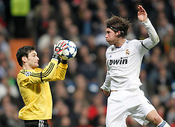 16.03.2011, Stadio Santiago di Bernabeu, Madrid, ESP, UEFA CL, Real Madrid vs Olympique de Lyon, im Bild Real Madrid's Sergio Ramos against Olympique de Lyon's Hugo Lloris during Champions League match. March 16, 2011. . EXPA Pictures © 2011, PhotoCredit: EXPA/ Alterphotos/ Alvaro Hernandez +++++ ATTENTION - OUT OF SPAIN / ESP +++++