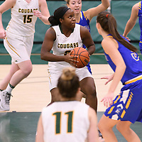 1st year guard Kyanna Giles (9) of the Regina Cougars in action during the Women's Basketball Preseason game on October 14 at Centre for Kinesiology, Health and Sport. Credit: Arthur Ward/Arthur Images