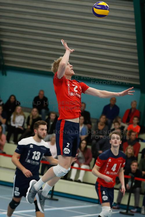 20181124 NED: Volleyball Top League ZVH - VCV: Zevenhuizen<br />Chris van Mullem (2) of CAS CRM ZVH<br />©2018-FotoHoogendoorn.nl / Pim Waslander