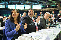 27 APR 2013, BERLIN/GERMANY:<br /> Katrin Goering-Eckardt, B90/Gruene, Vizepraesidentin des Deutschen Bundestages, Sigmar Gabriel, SPD Parteivorsitzender  Juergen Trittin, B90/Gruene, Fraktionsvorsitzender, (v.L.n.R.), applaudieren waehrend der Rede von C laudia R oth, Bundesdelegiertenkonferenz Buendnis 90 / Die Gruenen, Velodrom<br /> IMAGE: 20130427-01-083<br /> KEYWORDS: Parteitag, Bundesparteitag, BDK, party congress, Bündnis 90 / Die Grünen, B90/Gruene, Gespräch, Katrin Göring-Eckardt, B90/Grüne, Jürgen Trittin, Katrin Göring-Eckardt, Applaus, klatschen