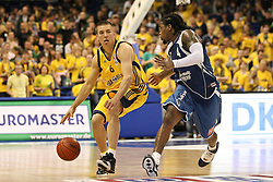 08.05.2010, o2-World Berlin, GER, Beko BBL, Playoffs Viertelfinale 1, Alba Berlin vs Deutsche Bank Skyliners Frankfurt im Bild ^Steffen Hamann (Alba Berlin #6)  und Aubrey Reese (Deutsche Bank Skyliners Frankfurt #4)  EXPA Pictures © 2010, PhotoCredit: EXPA/ nph/  Hammes / SPORTIDA PHOTO AGENCY