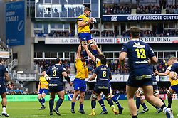 Mike Williams of Bath Rugby wins the ball at a lineout - Mandatory byline: Patrick Khachfe/JMP - 07966 386802 - 15/12/2019 - RUGBY UNION - Stade Marcel-Michelin - Clermont-Ferrand, France - Clermont Auvergne v Bath Rugby - Heineken Champions Cup