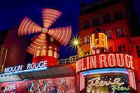 France, Paris (75), quartier de Pigalle, place Blanche, le Moulin Rouge // France, Paris, Pigalle, Place Blanche, the Moulin Rouge