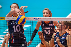 06-06-2018 NED: Volleyball Nations League Netherlands - Italy, Rotterdam<br /> Lonneke Sloetjes #10 of Netherlands