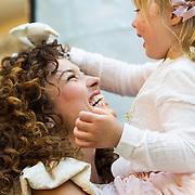 NLD/Amsterdam/20140409 - Presentatie Sam & haas fairtrade juwelenlijn, Katja Schuurman speelt met haar dochter Sammie