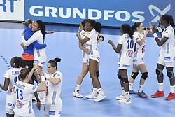 France team jubilates after the Women's european handball chanmpionship preliminary round, Slovenia vs France. Nancy, Fance -02/12/2018//POLEMILE_01POL20181202NAN004/Credit:POL EMILE / SIPA/SIPA/1812021731