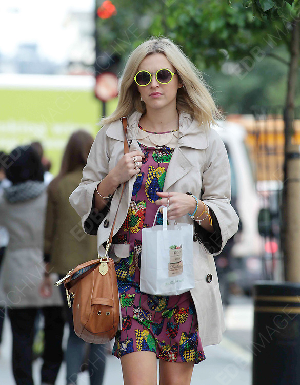 17.JULY.2012. LONDON<br /> <br /> FEARNE COTTON ARRIVING AT THE STUDIOS OF RADIO 1.<br /> <br /> BYLINE: EDBIMAGEARCHIVE.COM<br /> <br /> *THIS IMAGE IS STRICTLY FOR UK NEWSPAPERS AND MAGAZINES ONLY*<br /> *FOR WORLD WIDE SALES AND WEB USE PLEASE CONTACT EDBIMAGEARCHIVE - 0208 954 5968*  *** Local Caption ***