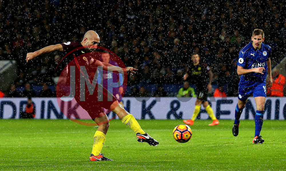 Pablo Zabaleta of Manchester City shoots at goal - Mandatory by-line: Robbie Stephenson/JMP - 10/12/2016 - FOOTBALL - King Power Stadium - Leicester, England - Leicester City v Manchester City - Premier League