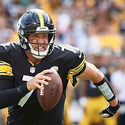 Pittsburgh Steelers quarterback Ben Roethlisberger (#7) runs for a touchdown during a 2018 Regular Season game between the Pittsburgh Steelers and the Kansas City Chiefs on Sunday, September 16, 2018.