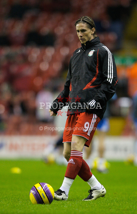 LIVERPOOL, ENGLAND - Wednesday, January 2, 2008: Liverpool's Fernando Torres warms-up before the Premiership match against Wigan Athletic at Anfield. (Photo by David Rawcliffe/Propaganda)