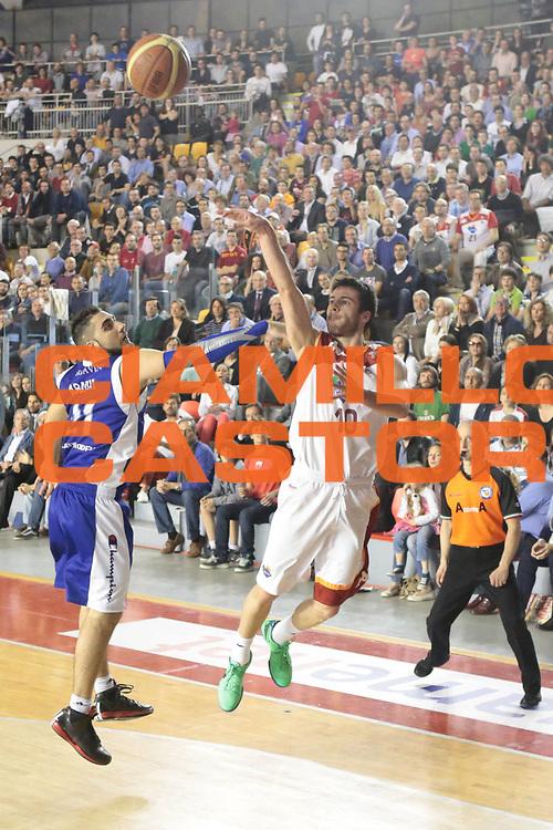 DESCRIZIONE : Roma Lega A 2012-2013 Acea Roma Lenovo Cantu playoff semifinale gara 1<br /> GIOCATORE : Lorenzo D'Ercole<br /> CATEGORIA : ultimo tiro equilibrio<br /> SQUADRA : Acea Roma<br /> EVENTO : Campionato Lega A 2012-2013 playoff semifinale gara 1<br /> GARA : Acea Roma Lenovo Cantu<br /> DATA : 24/05/2013<br /> SPORT : Pallacanestro <br /> AUTORE : Agenzia Ciamillo-Castoria/M.Simoni<br /> Galleria : Lega Basket A 2012-2013  <br /> Fotonotizia : Roma Lega A 2012-2013 Acea Roma Lenovo Cantu playoff semifinale gara 1<br /> Predefinita :