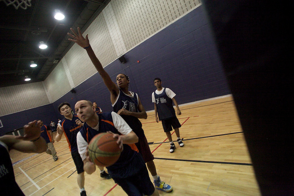 Vigilant Futures sponsors a special basketball tournament between Youth Fusion - James Lyng students and Vigilant Futures employees at ETS (E?cole de technologie supe?rieure) on March 26th, 2010...The kids won 74-75...www.vigilantfutures.com..www.etsmtl.ca..www.fusionjeunessequebec.org