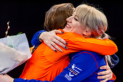 13-01-2019 NED: ISU European Short Track Championships 2019 day 3, Dordrecht<br /> Suzanne Schulting #24 NED, Elise Christie #41 GBR