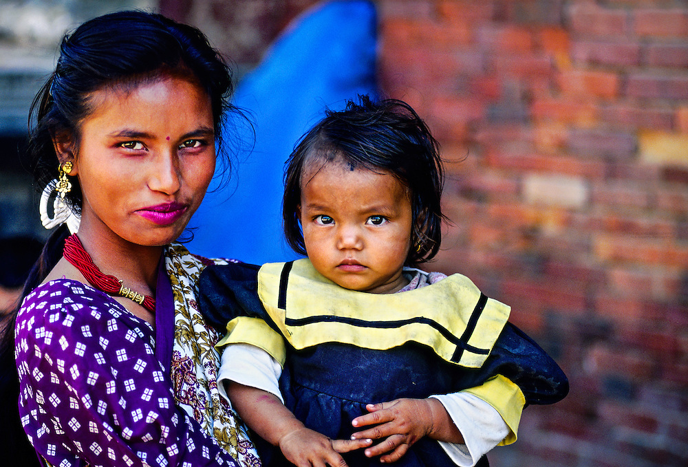 Mother and daughter, Durbar Square, Patan (a.k.a. Lalitpur), Kathmandu Valley, Nepal