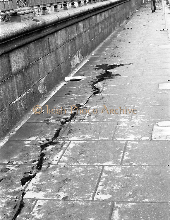 17/05/1974.05/17/1974.17 May 1974.Bomb damage in Dublin.