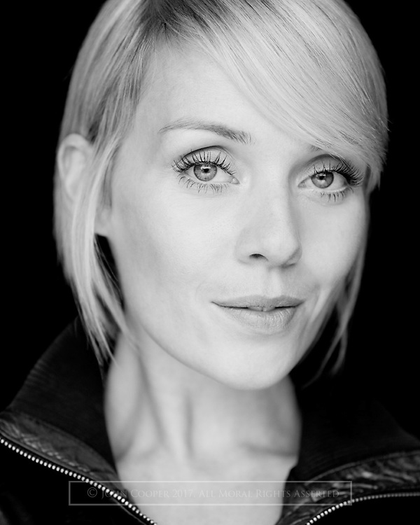 Headshot of musical theatre actress Nicola Meehan.