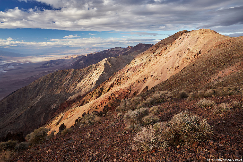 The landscape of Death Valley National Park as seen from Dantes View.