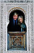MARRAKECH - Prinses Maxima en prins Willem-Alexander nemen dinsdag een kijkje in de koranschool Medersa Ben Youssef in Marrakech. De prins en prinses brengen een vierdaags bezoek aan Marokko. ANP PHOTO BENELUX PRESS ROBIN UTRECHT