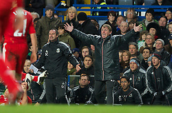 29.11.2011, Stamford Bridge, London, ENG, PL, viertelfinale, FC Liverpool vs Chelsea FC, im Bild Liverpool's manager Kenny Dalglish during the football match of English Football League Cup, Quarter-Final, between FC Liverpool and Chelsea FC at Stamford Bridge Stadium, London, United Kingdom on 2011/11/29. EXPA Pictures © 2011, PhotoCredit: EXPA/ Sportida/ David Rawcliff..***** ATTENTION - OUT OF ENG, GBR, UK *****
