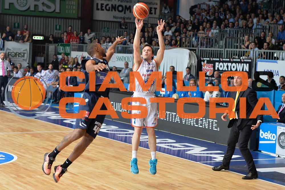 DESCRIZIONE : Cantu, Lega A 2015-16 Acqua Vitasnella Cantu'  Manital Auxilium Torino<br /> GIOCATORE : Brad Heslip<br /> CATEGORIA : Tiro<br /> SQUADRA : Acqua Vitasnella Cantu'<br /> EVENTO : Campionato Lega A 2015-2016<br /> GARA : Acqua Vitasnella Cantu'  Manital Auxilium Torino<br /> DATA : 24/10/2015<br /> SPORT : Pallacanestro <br /> AUTORE : Agenzia Ciamillo-Castoria/I.Mancini<br /> Galleria : Lega Basket A 2015-2016 <br /> Fotonotizia : Cantu'  Lega A 2015-16 Acqua Vitasnella Cantu' Manital Auxilium Torino<br /> Predefinita :