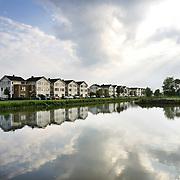 Nederland Rotterdam 1 juni 2007 20070601.Woningen aan het water in de nieuwbouwwijk Nieuw Terbregge ..Serie tbv Schieland en de Krimpenerwaard, deze zorgt als waterschap voor droge voeten en schoon water in een bepaald gebied. Het beheersgebied van Schieland en de Krimpenerwaard strekt zich uit tussen Rotterdam, Schoonhoven en Zoetermeer. Binnen dit gebied zorgt Schieland en de Krimpenerwaard voor de kwaliteit van het oppervlaktewater, het waterpeil en de waterkeringen. Daarnaast beheert Schieland en de Krimpenerwaard een aantal wegen in de Krimpenerwaard...Foto David Rozing