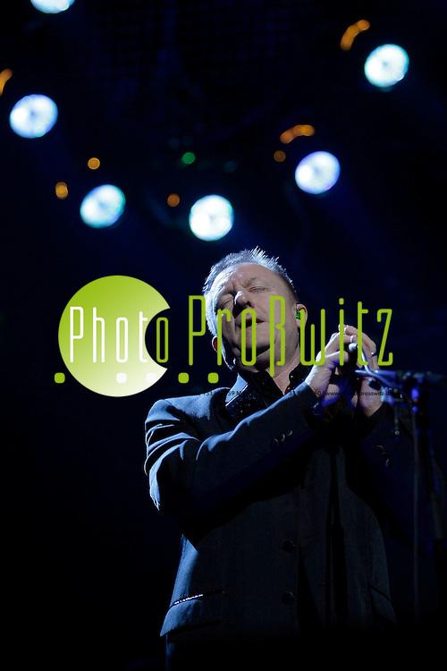 Mannheim. SAP Arena. Konzert. Nokia Night of the Proms 2009.<br /> In diesem Jahr wird John Miles einen wunderbaren Titel von Ray Charles singen: &igrave;If I could&icirc;. Miles ist ein grofler Fan von Ray Charles und hat sich diesen Song ausgesucht, da ihn der Text sehr ber&cedil;hrt.<br /> - John Miles.<br /> <br /> Bild: Markus Proflwitz / masterpress /  <br /> <br /> ++++ Archivbilder und weitere Motive finden Sie auch in unserem OnlineArchiv. www.masterpress.org oder &cedil;ber das Metropolregion Rhein-Neckar Bildportal   ++++ *** Local Caption *** masterpress Mannheim - Pressefotoagentur<br /> Markus Proflwitz<br /> C8, 12-13<br /> 68159 MANNHEIM<br /> +49 621 33 93 93 60<br /> info@masterpress.org<br /> Dresdner Bank<br /> BLZ 67080050 / KTO 0650687000<br /> DE221362249