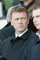 MANCHESTER, ENGLAND - Sunday, March 23, 2008: Everton manager David Moyes watches Liverpool take on Manchester United during the Premiership match at Old Trafford. (Photo by David Rawcliffe/Propaganda)
