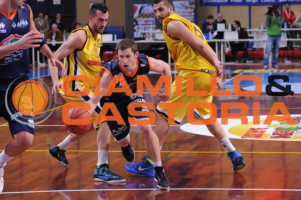 DESCRIZIONE : Bari Lega A2 2011-12 Toys&amp;More Final Four Coppa Italia Semifinale Givova Scafati Fileni BPA Jesi<br /> GIOCATORE : Richard McConnell<br /> CATEGORIA : penetrazione<br /> SQUADRA : Fileni BPA Jesi<br /> EVENTO : Campionato Lega A2 2011-2012<br /> GARA : Givova Scafati Fileni BPA Jesi<br /> DATA : 03/03/2012<br /> SPORT : Pallacanestro<br /> AUTORE : Agenzia Ciamillo-Castoria/M.Marchi<br /> Galleria : Lega Basket A2 2011-2012  <br /> Fotonotizia : Bari Lega A2 2010-11 Toys&amp;More Final Four Coppa Italia Semifinale Givova Scafati Fileni BPA Jesi<br /> Predefinita :