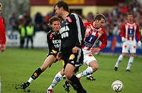 Fotball/Eliteserien/Alfheim-Tromsø: TIL (Tromsø IL) - RBK 4-1/ Frode Johnsen t.v. og Miika Koppinen (TIL) Roar Strand foran<br /> FOTO: KAJA BAARDSEN/DIGITALSPORT