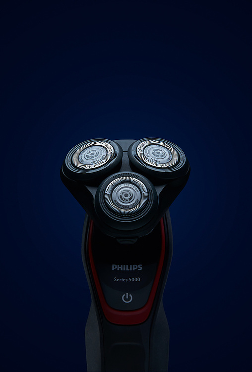 commercial product photography philips electric razor by kyle pearce