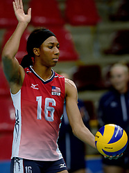 24-09-2014 ITA: World ChampionshipVolleyball Kazachstan - USA, Verona<br /> USA wint met 3-0 / Foluke Akinradewo