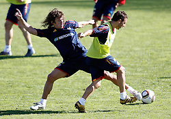 06.10.2010, Madrid, ESP, Spain national football team training, im Bild Santi Cazorla and Carles Puyol during trainning session. EXPA Pictures © 2010, PhotoCredit: EXPA/ Alterphotos/ Alvaro Hernandez +++++ ATTENTION - OUT OF SPAIN / ESP +++++