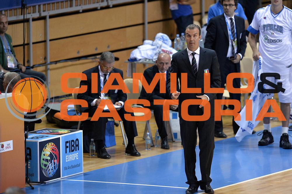 DESCRIZIONE : Capodistria Koper Slovenia Eurobasket Men 2013 Preliminary Round Finlandia Italia Finland Italy<br /> GIOCATORE : Simone Pianigiani<br /> CATEGORIA : Delusione<br /> SQUADRA : Italia <br /> EVENTO : Eurobasket Men 2013<br /> GARA : Finlandia Italia Finland Italy<br /> DATA : 07/09/2013<br /> SPORT : Pallacanestro&nbsp;<br /> AUTORE : Agenzia Ciamillo-Castoria/GiulioCiamillo<br /> Galleria : Eurobasket Men 2013 <br /> Fotonotizia : Capodistria Koper Slovenia Eurobasket Men 2013 Preliminary Round Finlandia Italia Finland Italy<br /> Predefinita :